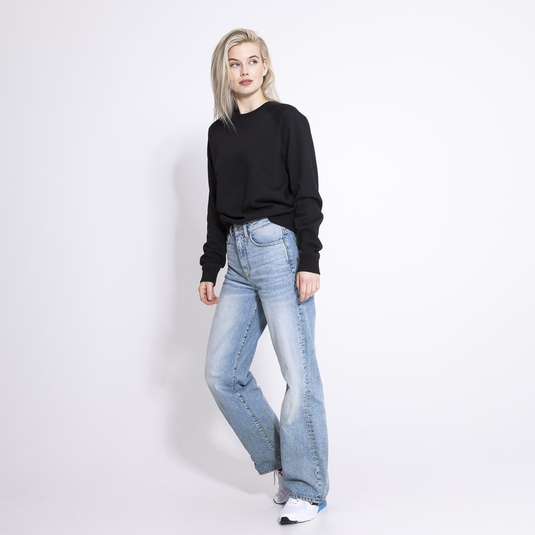 College / W Sweater Sweater